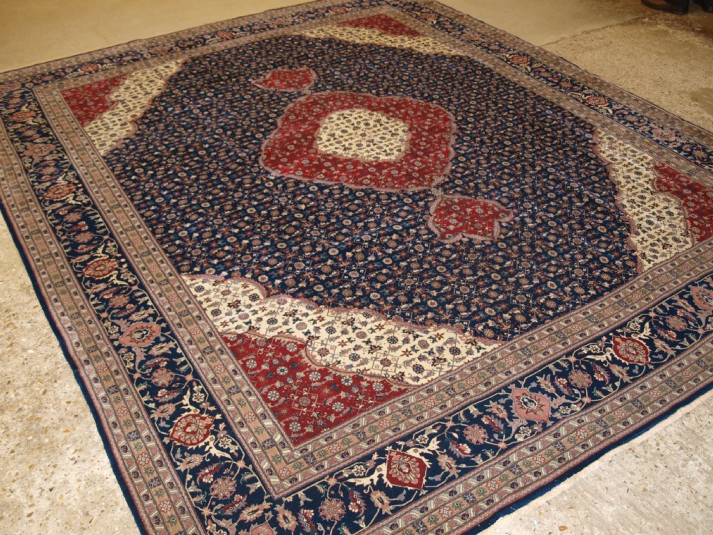 old persian tabriz carpet classic medallion design superb condition about 30 years old